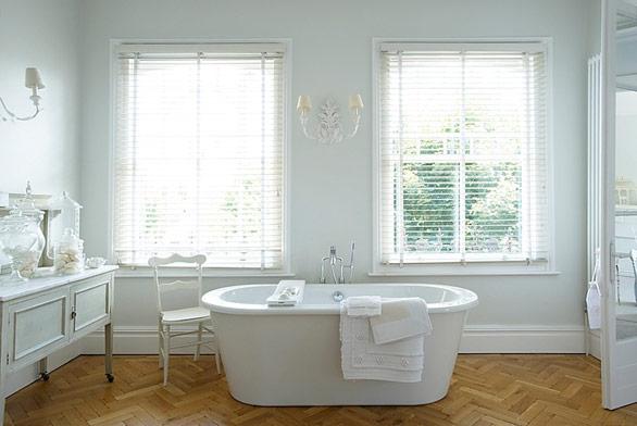 bathroom white french