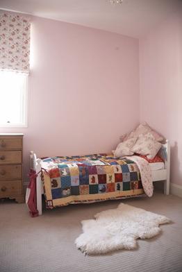kids room pink