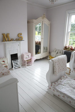 kids room in white