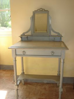 19th-century-dressing-table