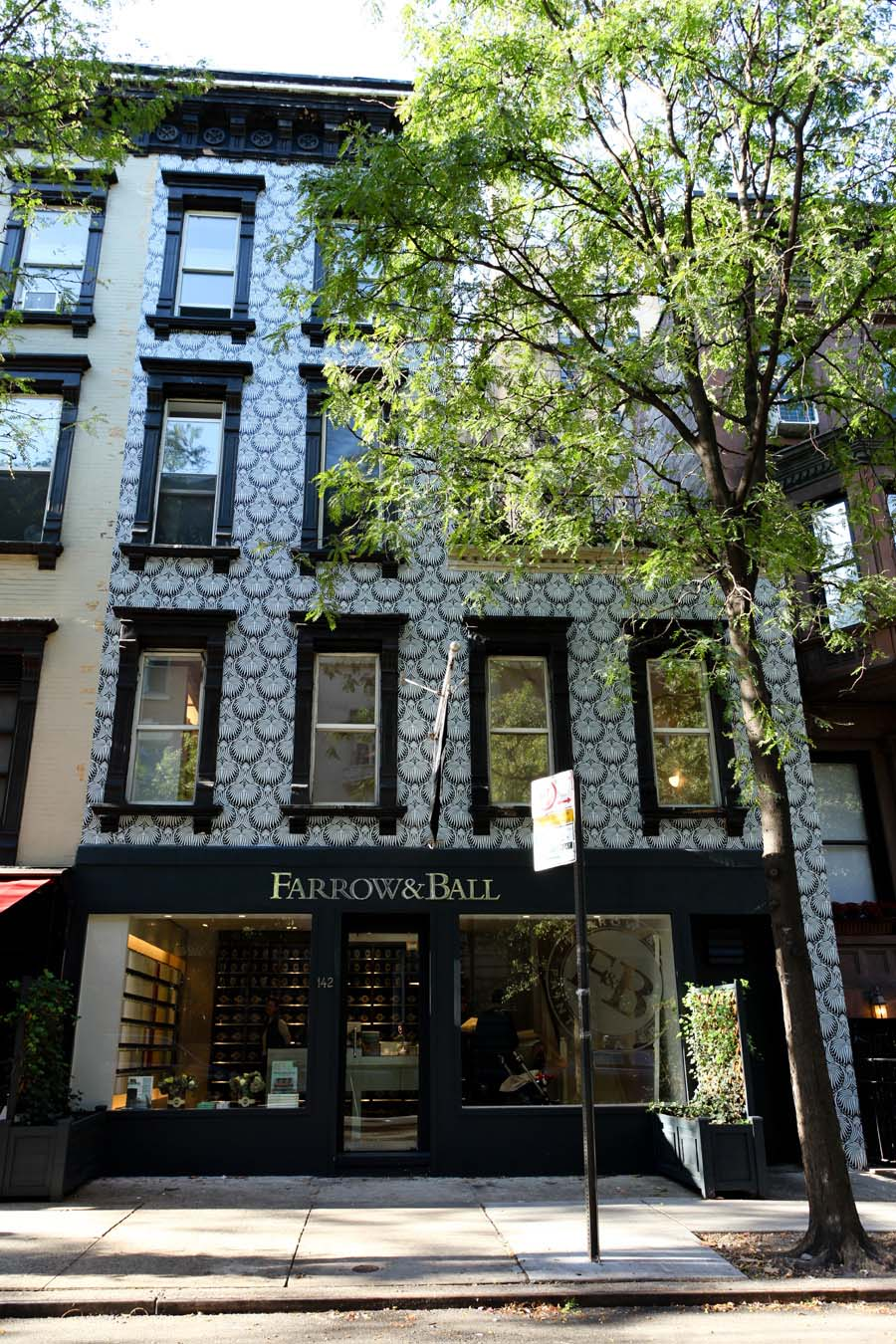 farrow and ball s wallpaper covered store in new york. Black Bedroom Furniture Sets. Home Design Ideas