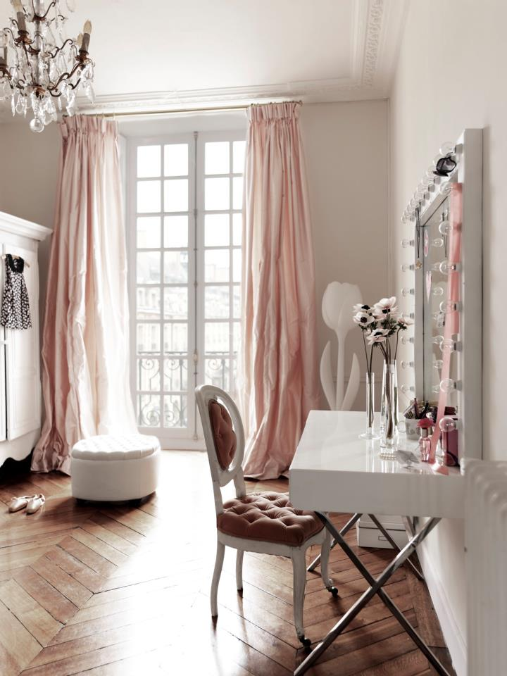 LightPink Dressing Room Curtain 720 x 960